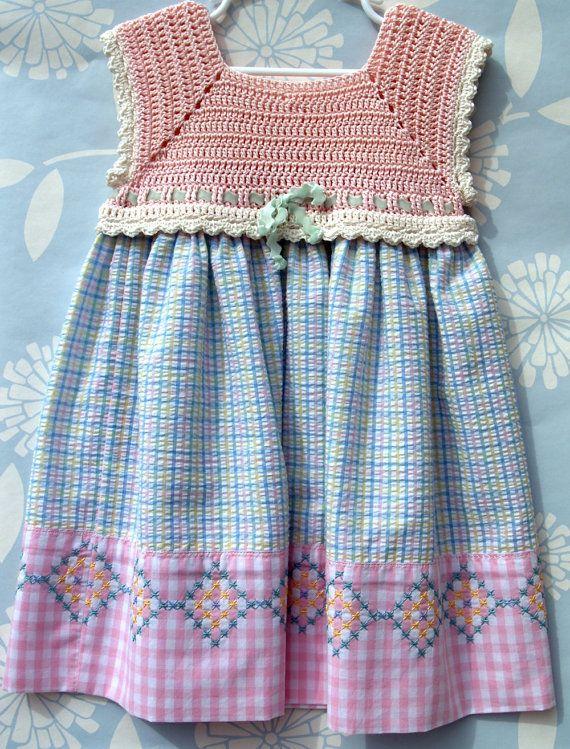Crochet Bodice Sundress  @ Karyn Rosebrook.  I like this bodice.