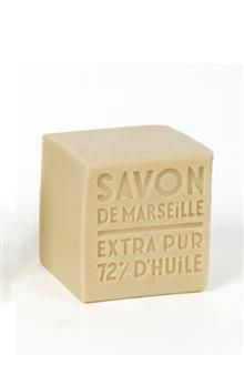 Marseille Soap 400g - Palm This cube of Marseille soap is a natural and artisanal product, which is the pride and fame of our city since the XVII century. It is made with the most pure respect of Marseille tradition, is a cauldron and containing 72% of vegetable copra, palm (and olive) oils. Benefits: Recommended for delicate laundry care and floor cleaning 72% pure vegetable oils including olive oil, famous for its softening and protective properties