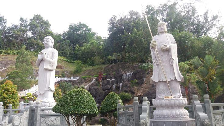Pagoda kuching2