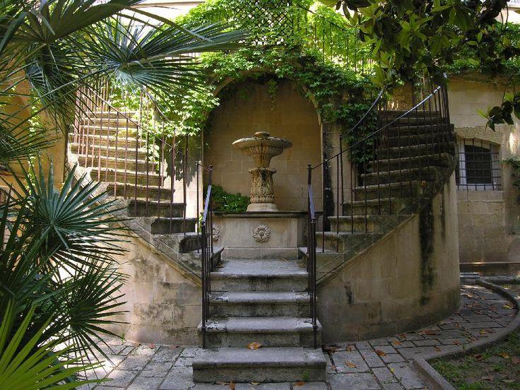 Il cortile del Palazzo Apostolico Orsini a Lecce - Dimore Storiche Italiane