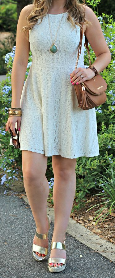 LOVE this outfit for spring! The adorable gold wedges are under $20 & the bag and dress are both under $30. Cute, comfortable, and crazy affordable! #solestyle #payless #ad @paylessinsider