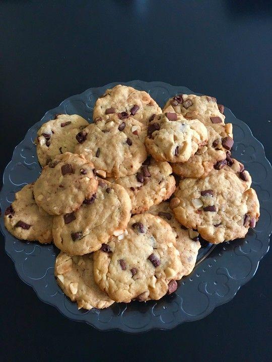 Cookies mit weißer und dunkler Schokolade und Nüssen (aus den USA) 1