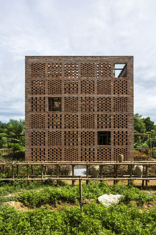 25 best ideas about tropical architecture on pinterest for Space 120 architects
