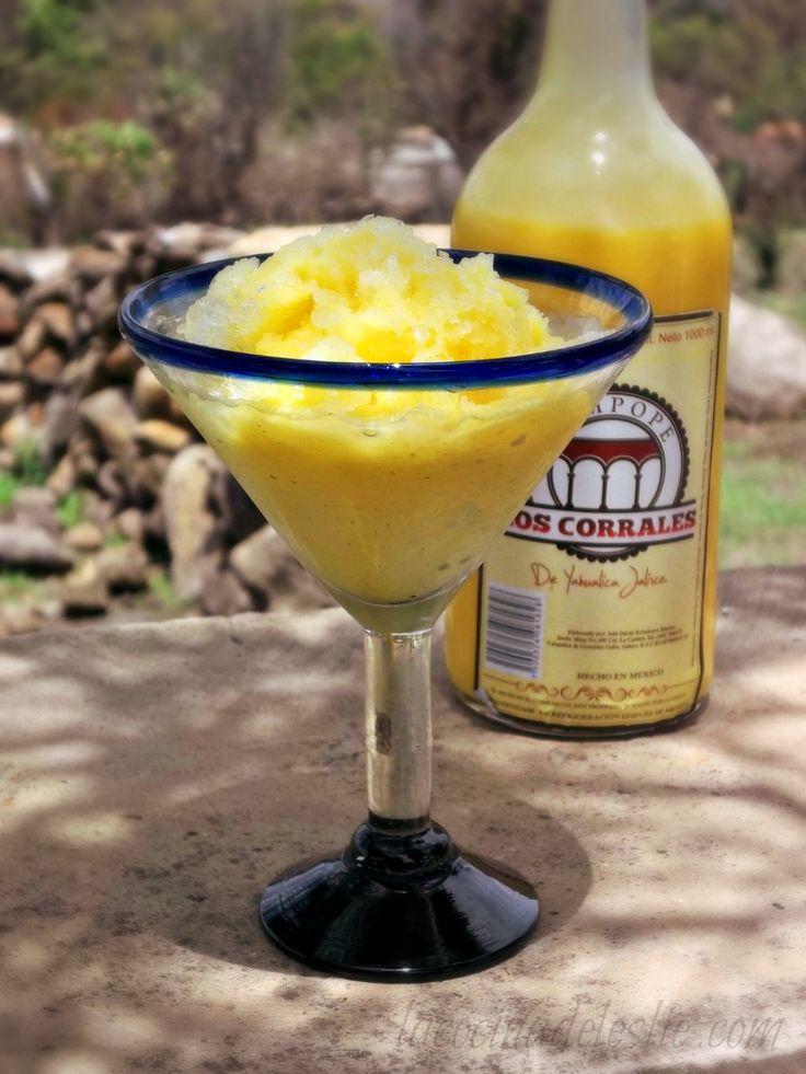 Almíbar de Rompope (Mexican Eggnog Syrup) for Raspados via @Leslie Harris de Limon #RaspadosWeek