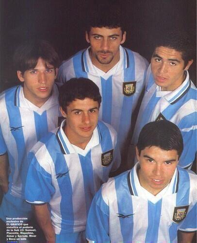 Diego Placente, Walter Samuel, Juan Román Riquelme, Pablo Aimar y Javier Saviola. Selección Argentina