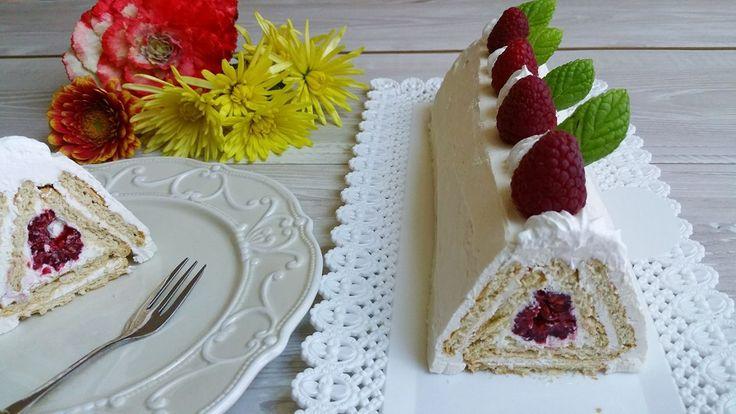 torta piramide di biscotti senza cottura