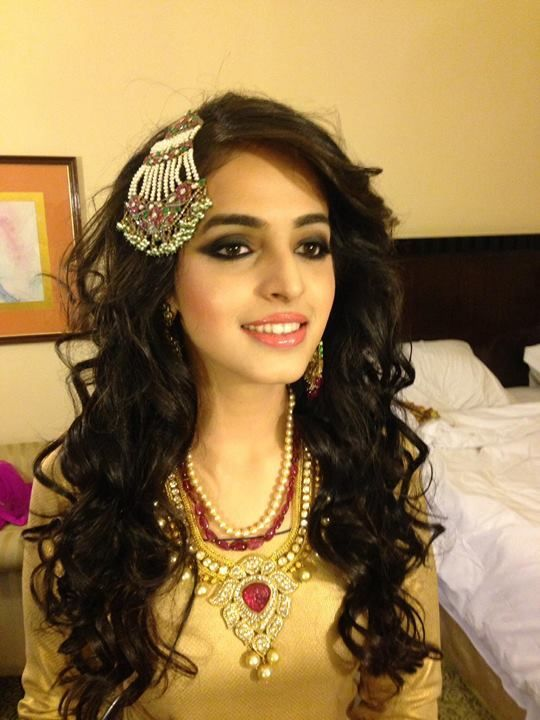 Ojas Rajani Bridal Makeup Artist Mumbai - Review & Info - Wed Me Good #smokeyeye #paassa #lovetheentirelook: