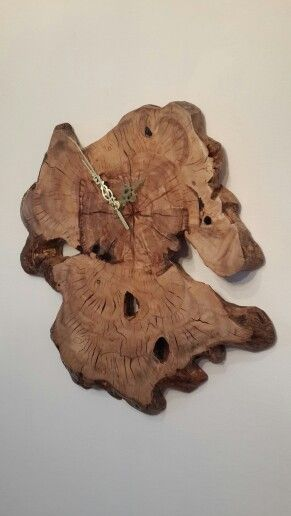 dar design  שעון עץ. Live edge wood clocks