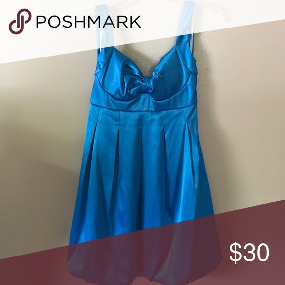 Blue party halter dress Gorgeous blue party dress perfect for homecomings, proms, formals or cocktail parties. Has a bubble poof skirt and halter tie straps jcpenney Dresses Prom