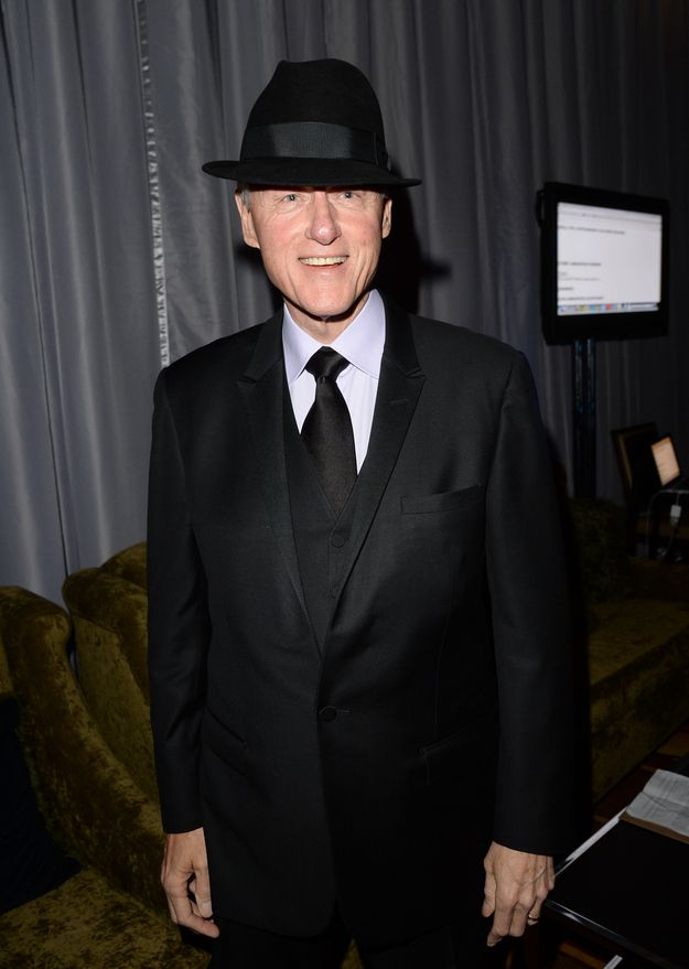 Bill Clinton showed up at the 24th Annual GLAAD Media Awards last night rocking a three piece black suit and tie and a sweet fedora.