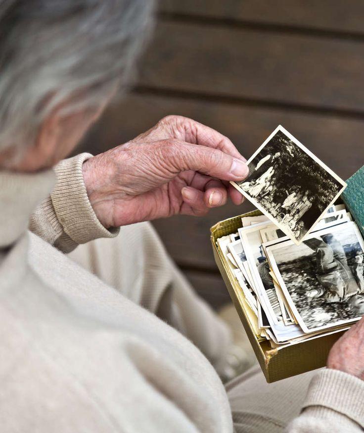 GESUND LEBEN SCHÜTZT VOR DEMENZ Schreckgespenst Alzheimer! Endlich gibt es Hoffnung! BILD erklärt, wie weit die Forschung ist und wie Sie heute schon vorbeugen.