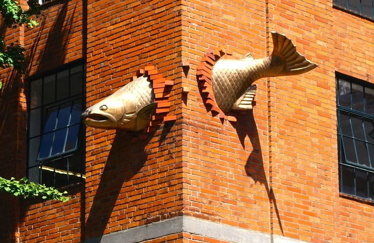 Find more pictures: http://666travel.com/transcendence-sculpture-on-salmon-street-portland-usa/ (Transcendence Sculpture On Salmon Street - Portland, USA)
