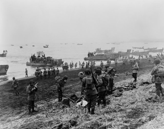 Attu_landing_craft_on_beach_1943