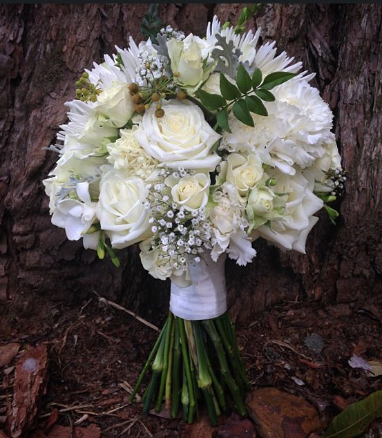 Soft ivory and white bridal bouquet.