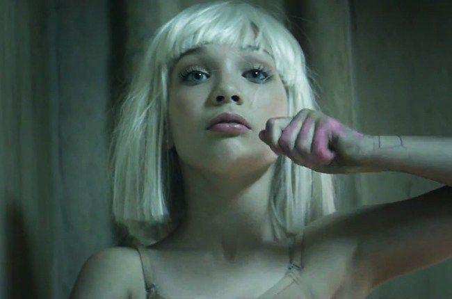 Sia+-+The+Greatest+(single+nou+si+videoclip)