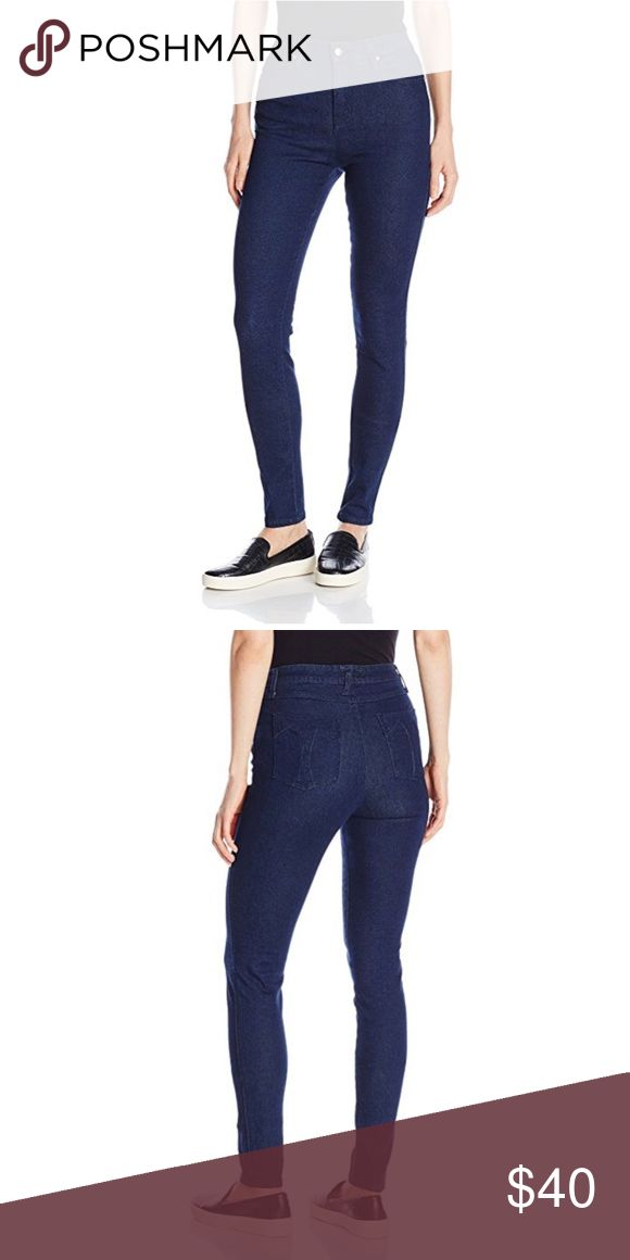 """Tripp NYC High Waisted Skinny Jeans 98% Cotton/2% Spandex Imported Machine Wash Stretch denim skinny-fit high rise five-pocket jean with gunmetal skull rivet detailing Featuring """"t"""" stitched back pockets. Size 5/27 Tripp nyc Jeans Skinny"""