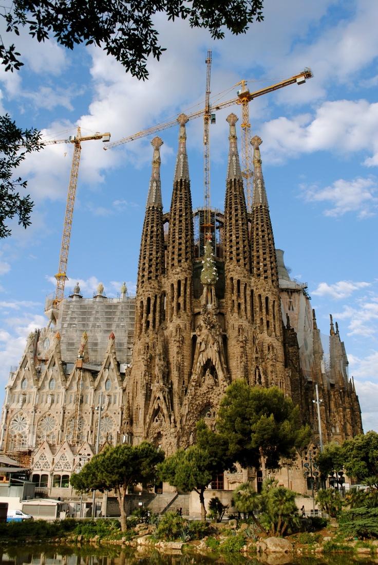 La sagrada familia barcelona this church is so elaborate for La sagrada familia church