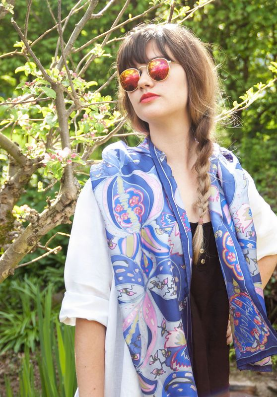 Tudor Bows blue - Hand painted silk scarf - product images  of