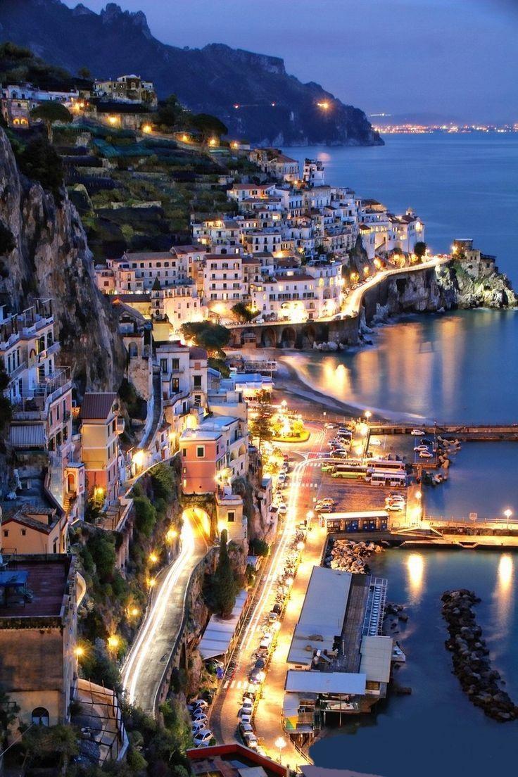 Amalfi, Italy Fuimos a Italia para la cena en su avión. Luego fuimos en un viaje en barco maravilloso.