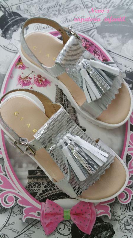 Sandalias Clarys flecos suela blanca