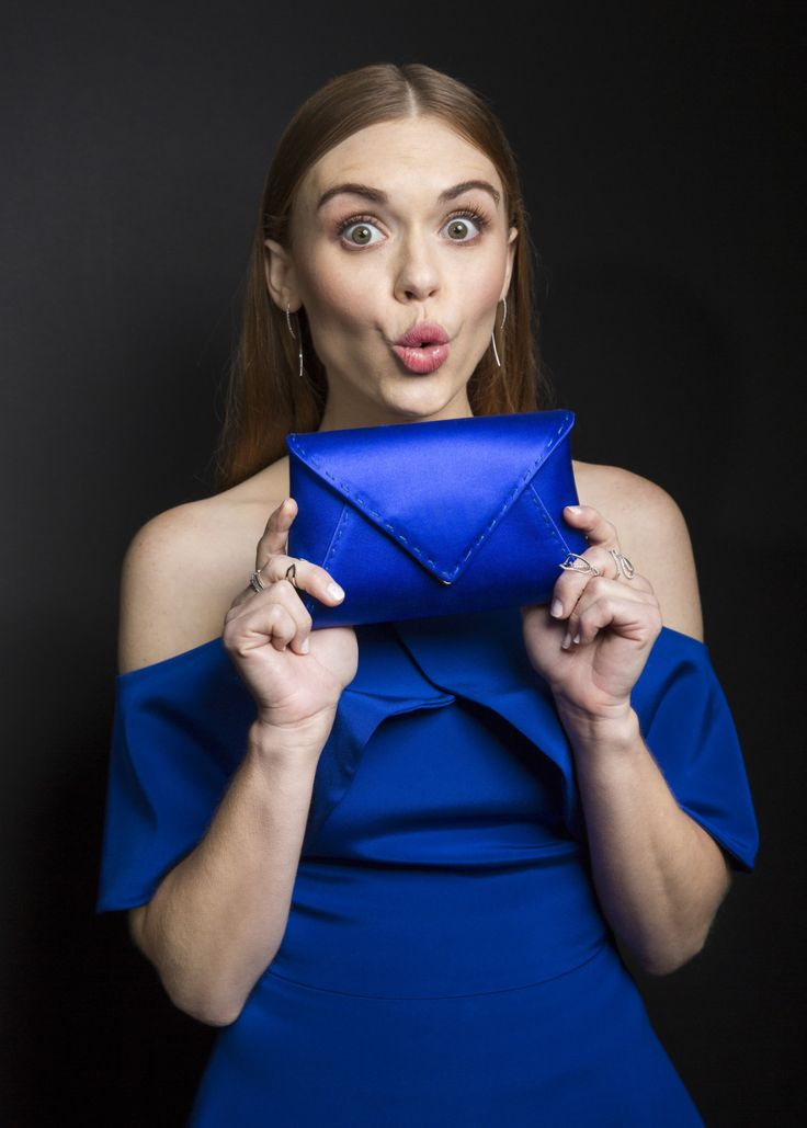 Can you tell what Holland Roden's new favorite color is? She rocked it at the MTV Movie Awards.