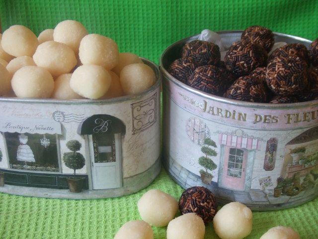 Bolitas de #chocolate negro y de coco. Ver #receta: http://www.mis-recetas.org/recetas/101591-bolitas-de-chocolate-negro-y-de-coco