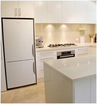 white kitchen glass splashback travertine tile