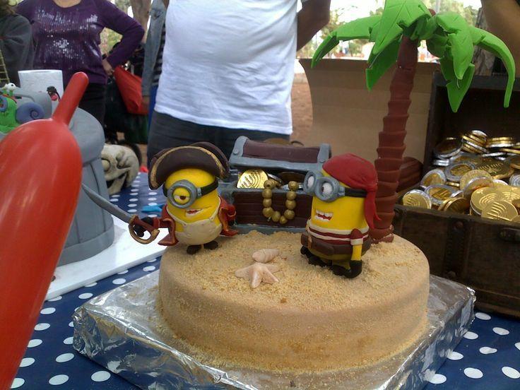 pirate Minion cake   DESPICABLE ME SCULPTED PIRATES MINION CAKE