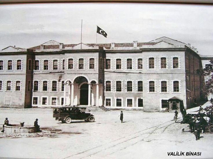 Konya valilik (vilayet) binası.