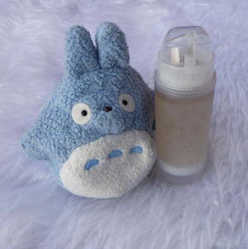 Sur le même principe ou presque qu'une eau micellaire, j'ai choisi de réaliser une recette d'eau de bébé pour mon Totoro (et surtout pour la petite Camille, la fille d'une amie). - 90 ml d'eau de fleur d'oranger - 10 ml d'eau de rose - 5 ml d'eau de camomille...