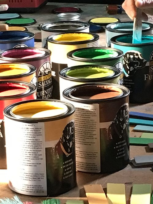 Black Dog Salvage Furniture Paint features true, heavily pigmented colors @blackdogsalvage  @woodcraftsupply