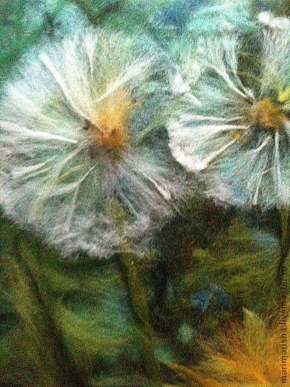 Картина из шерсти Одуванчики. В ожидании лета. Картина выложена сухой овечьей шерстью на ткань под стекло. Прекрасный подарок на любой случай, элегантно украсит интерьер! Картина много красочнее, чем на фото, к сожалению, даже самое хорошее фото никогда не…
