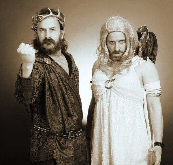 They're cosplaying Renly Baratheon and Daenerys Targaryen, my favourite fandom cosplaying my other favourite fandom