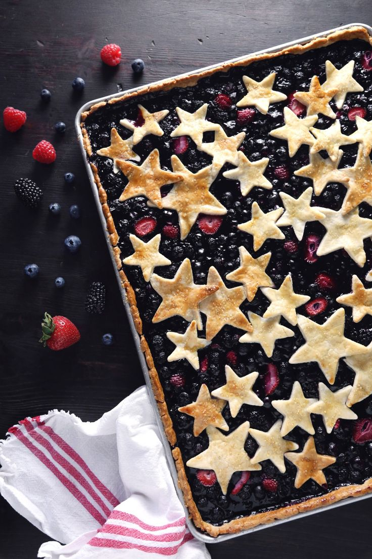 Mixed Berry Slab Pie from @wifemamafoodie. The ultimate Fourth of July dessert!