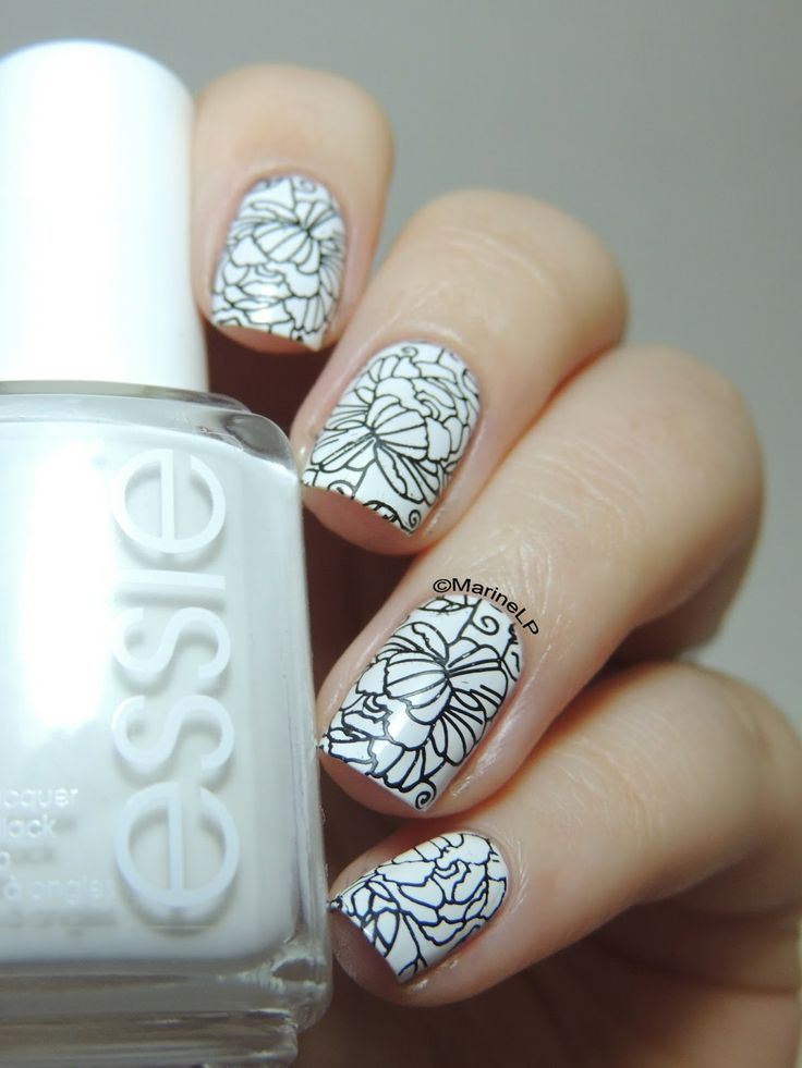 Nailstorming - Black and White - MoYou Pro Collection 06 - Stamping - Floral - Nails - Nailart