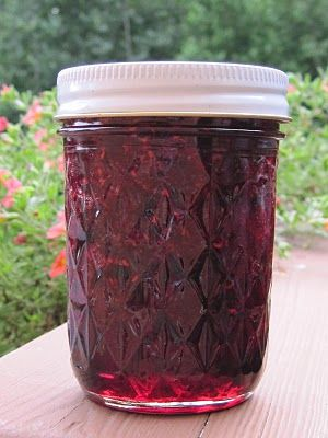 yummy jam recipe... I really need to learn to can because jam is expensive