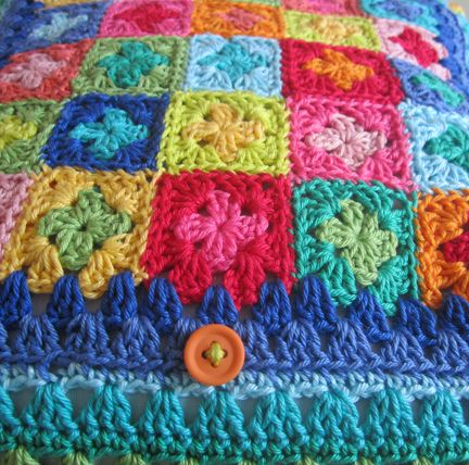 Crocheted cushion cover | Source: Planet Penny, UK | #crochet #grannysquares #colour