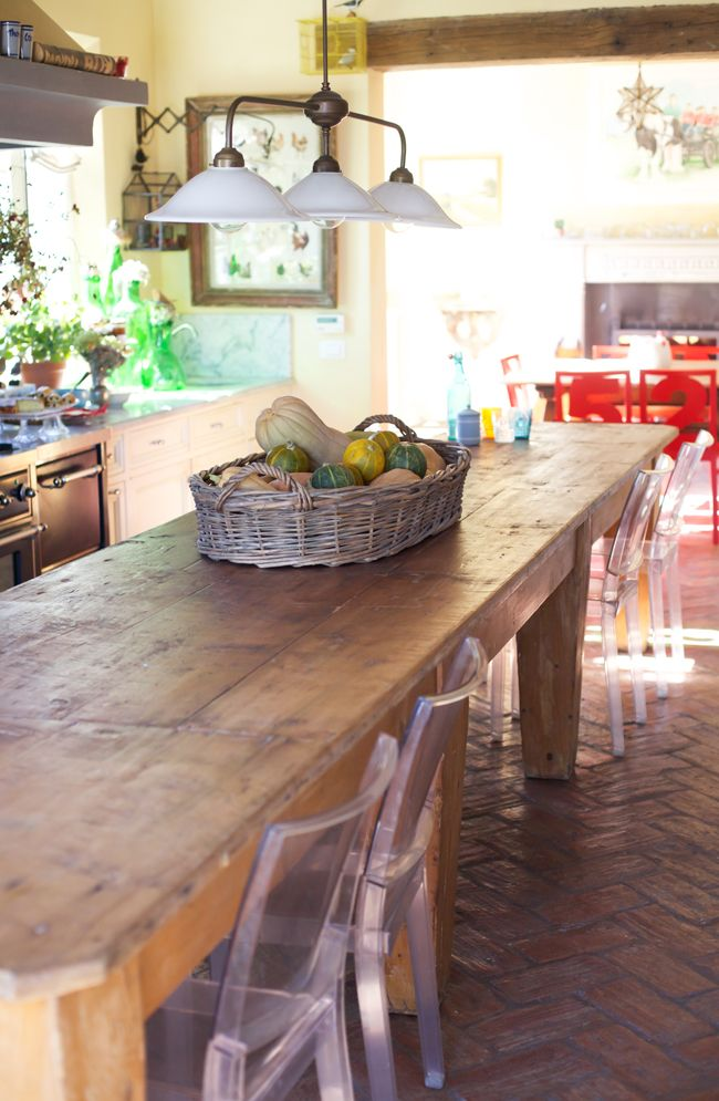 wooden table # romantic table # pumpkins # country kitchen # luxury B&B # www.cabiancadellabbadessa.it #