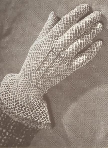 Crocheted gloves - 1940s