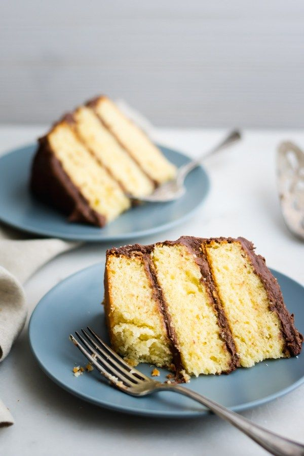 Best Yellow Cake With Chocolate Frosting Rezept Food Photos