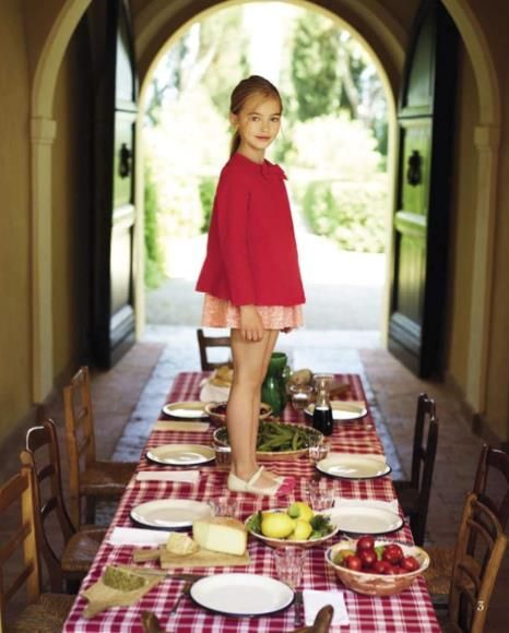 When Quinoa arrived at the playdate and saw that there was not an acceptable centerpiece on the table, she graciously stood in. #MIWDTD