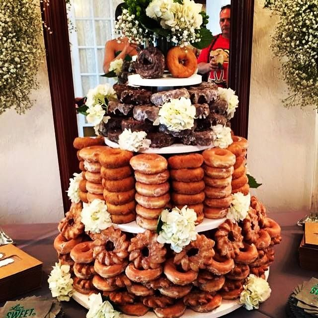 krispy kreme wedding cake stand 1000 ideas about krispy kreme wedding cake on 5351