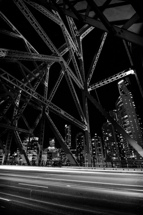 the Story Bridge and the City By Charly Morlock