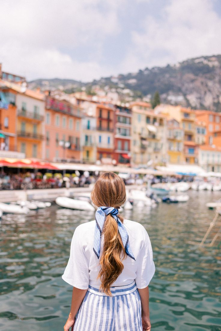 Gal Meets Glam Villefranche-sur-Mer-France - Reformation top & pants & MDS scarf