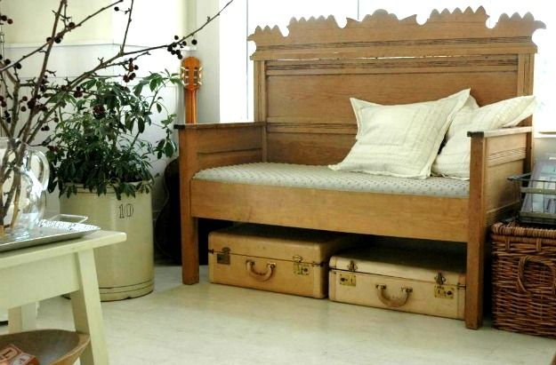 17 best images about bench made from old bed on pinterest for Classic house day bed