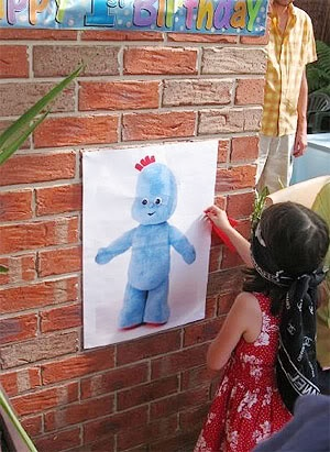 Pin the blankie on Iggle Piggle