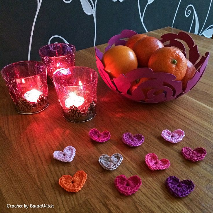 Virka ett hjärta på 5 minuter. Tiny-crochet-hearts-by-BautaWitch
