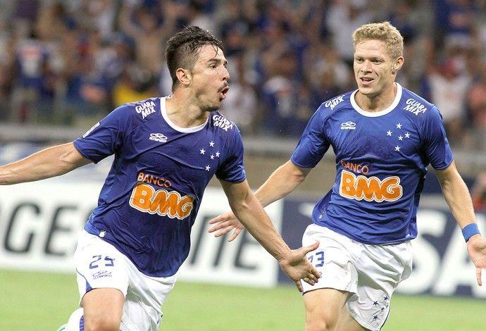 Willian comemoração Cruzeiro contra Universidad de Chile