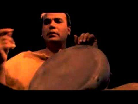Darbuka Solo - Percussion music. Wow! That is SOME DRUMMER!