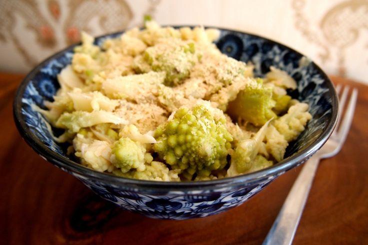 Een eenvoudige en lowbudget pasta met romanesco.